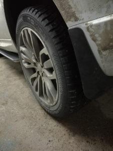 Установка порогов и брызговиков Range Rover Sport 2016-