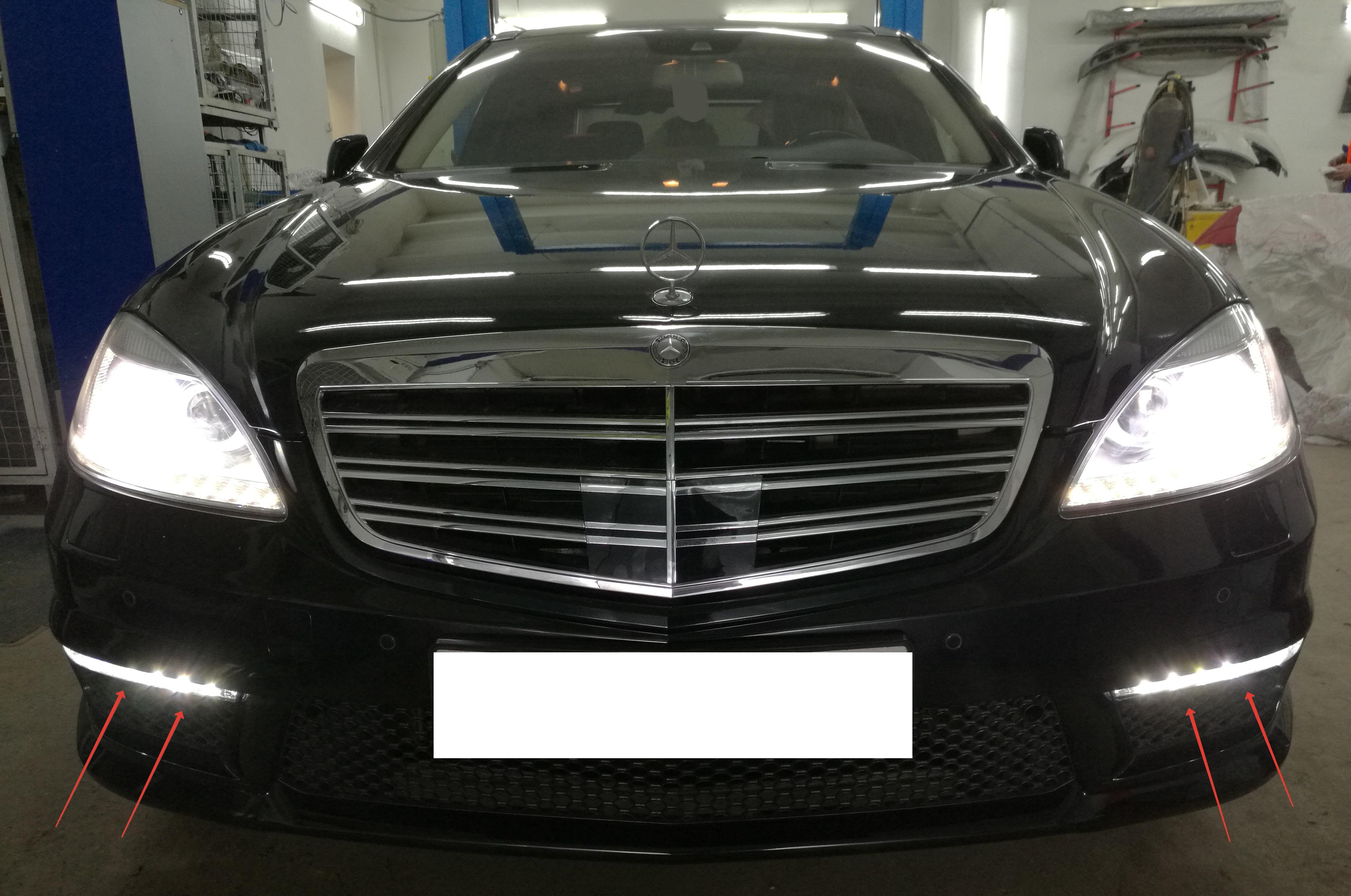 Решетка радиатора Mercedes S221 AMG