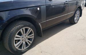 Range Rover Vogue 2012 — замена решетки и установка порогов .
