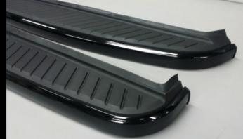 Накладки боковые алюминиевые на пороги Range Rover Sport 2005-2013  Santorini Black Black Edition